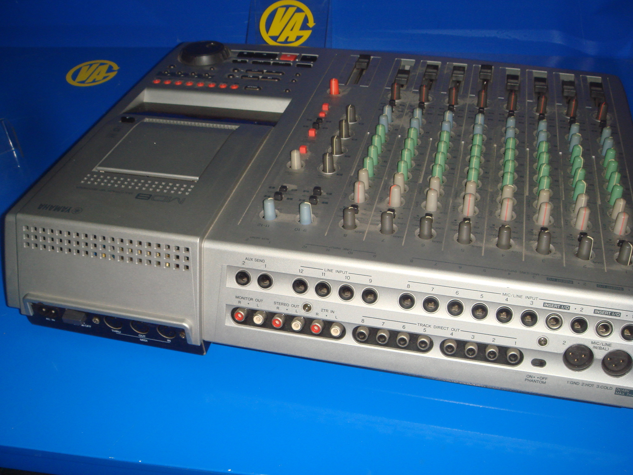table mixing good condition yamaha multitrack md recorder model md8 ebay. Black Bedroom Furniture Sets. Home Design Ideas